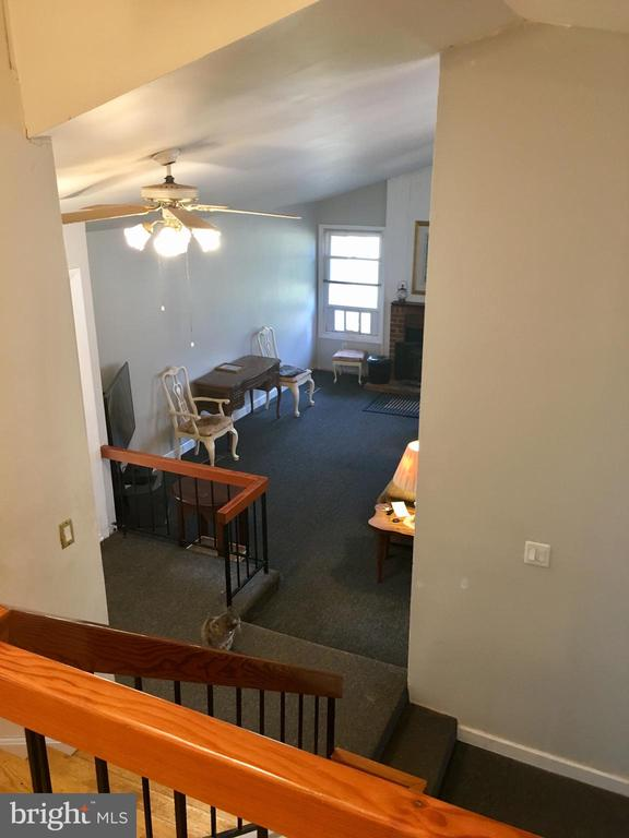 view from upstairs of living room - 4 DARUS CT, STERLING