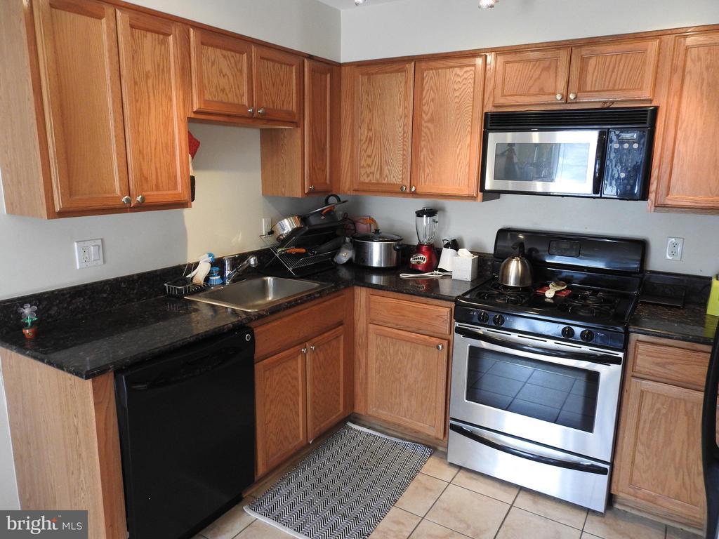 Kitchen - 4124 AMES ST NE #204, WASHINGTON