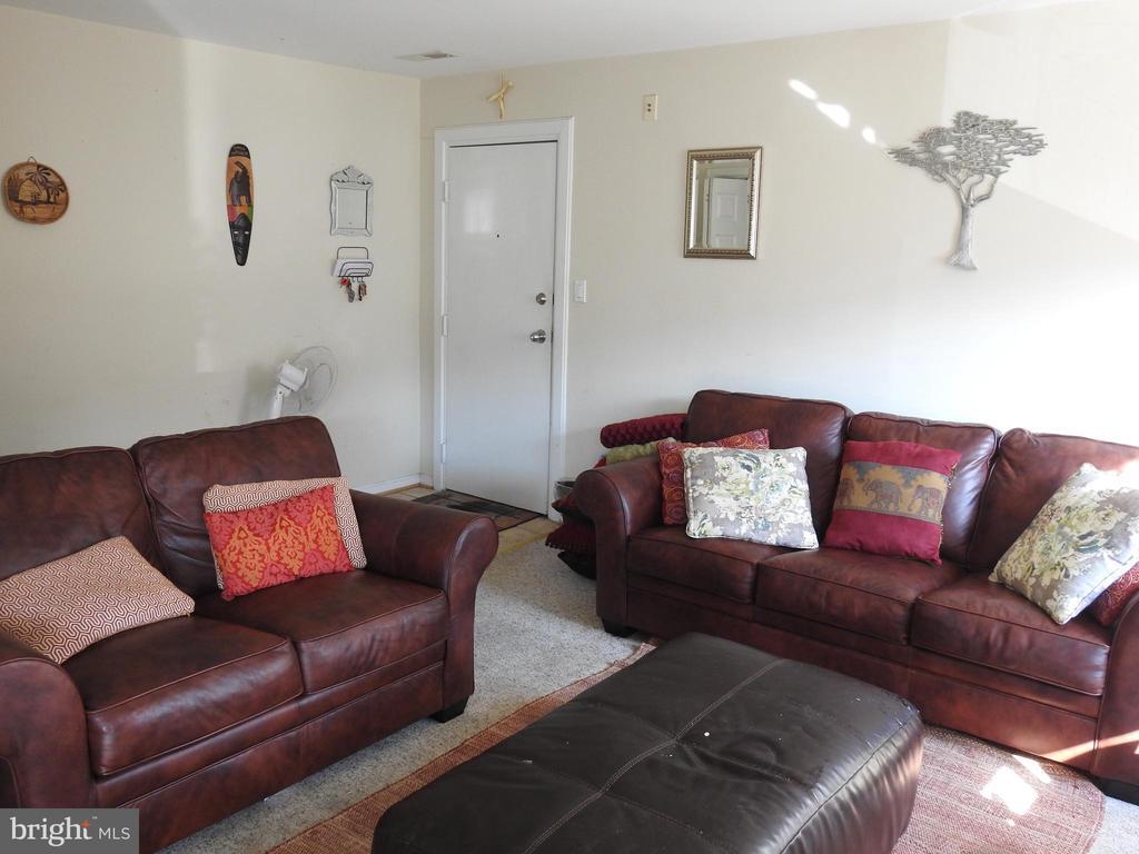 Living Room - 4124 AMES ST NE #204, WASHINGTON