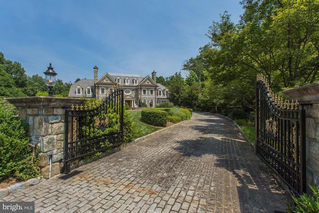 Gated at property entrance as well as street - 7984 GEORGETOWN PIKE, MCLEAN