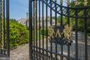 Gated sanctuary for the ultimate in privacy - 7984 GEORGETOWN PIKE, MCLEAN