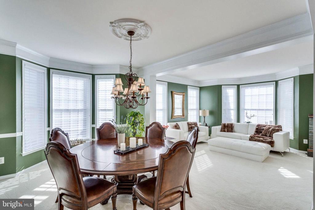 Dining/Living Rooms - Open Floor Plan - 43328 MARKHAM PL, ASHBURN