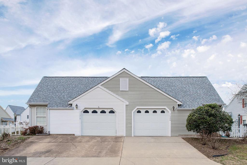 Spacious 1 car Garage with lots of storage - 11320 SAVANNAH DR, FREDERICKSBURG