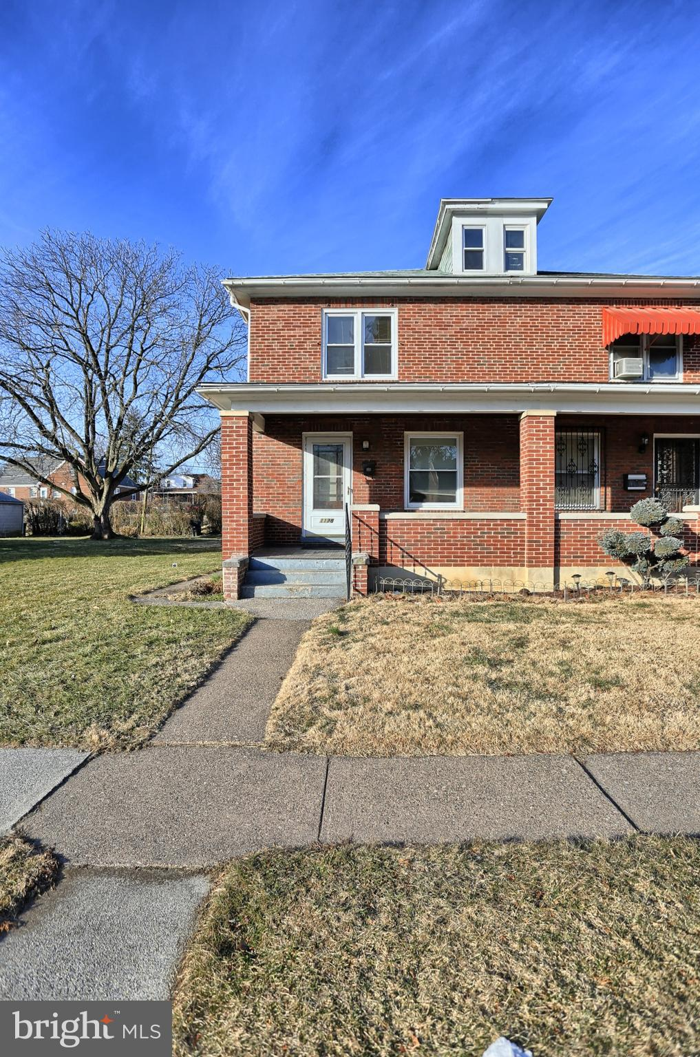 WELCOME to 1138 Rolleston St!
