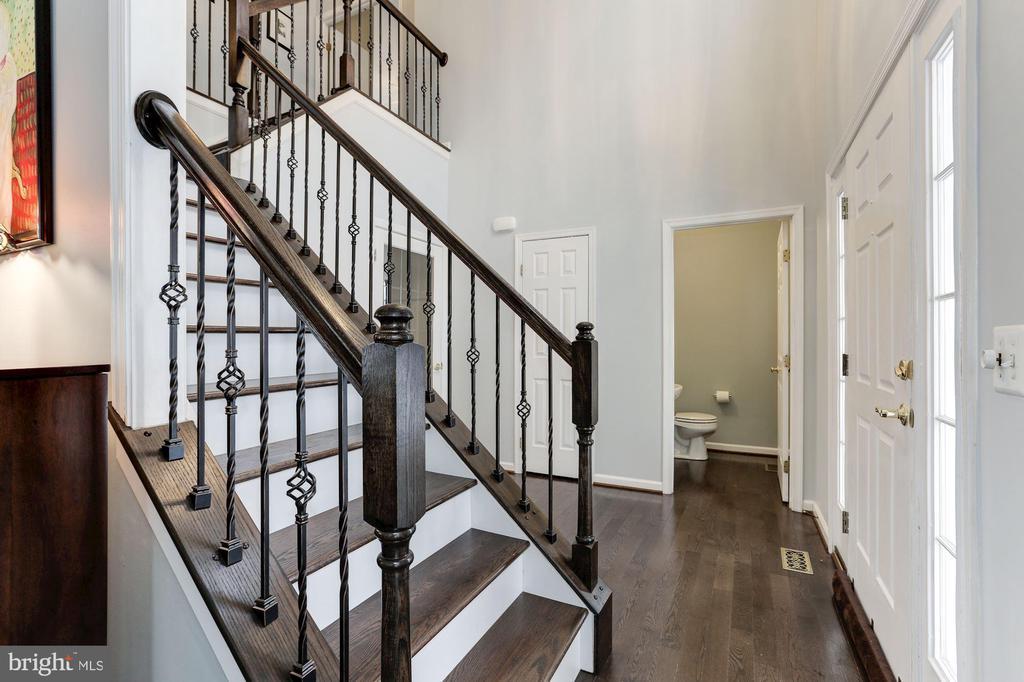New Hardwood Stairs - 43127 LLEWELLYN CT, LEESBURG