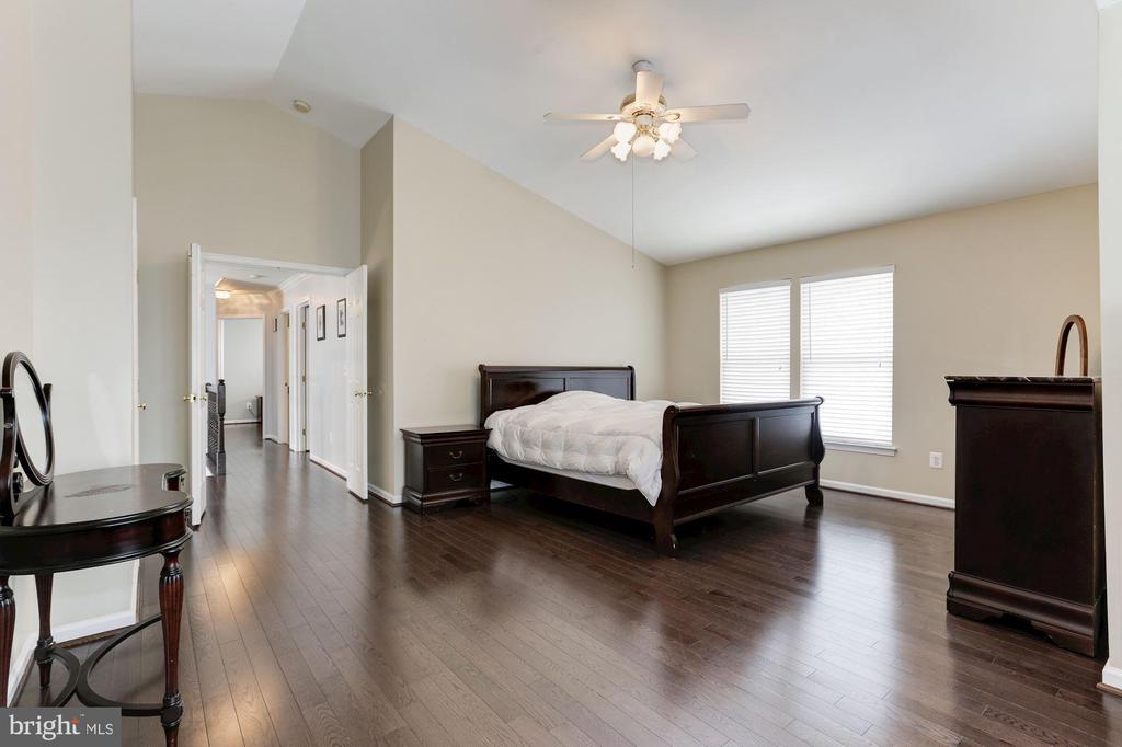 Master Bedroom - 43127 LLEWELLYN CT, LEESBURG