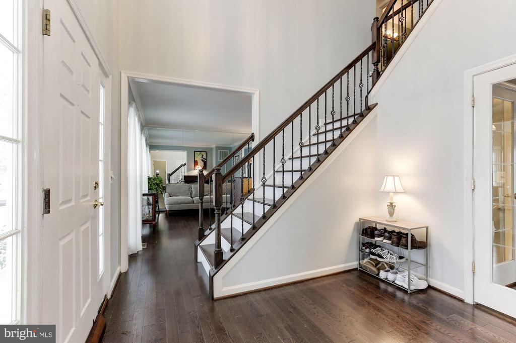 New Hardwood Floors - 43127 LLEWELLYN CT, LEESBURG