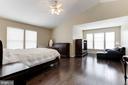 Master Bedroom with Sitting Area - 43127 LLEWELLYN CT, LEESBURG