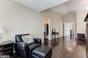 Master Bedroom Sitting Area - 43127 LLEWELLYN CT, LEESBURG