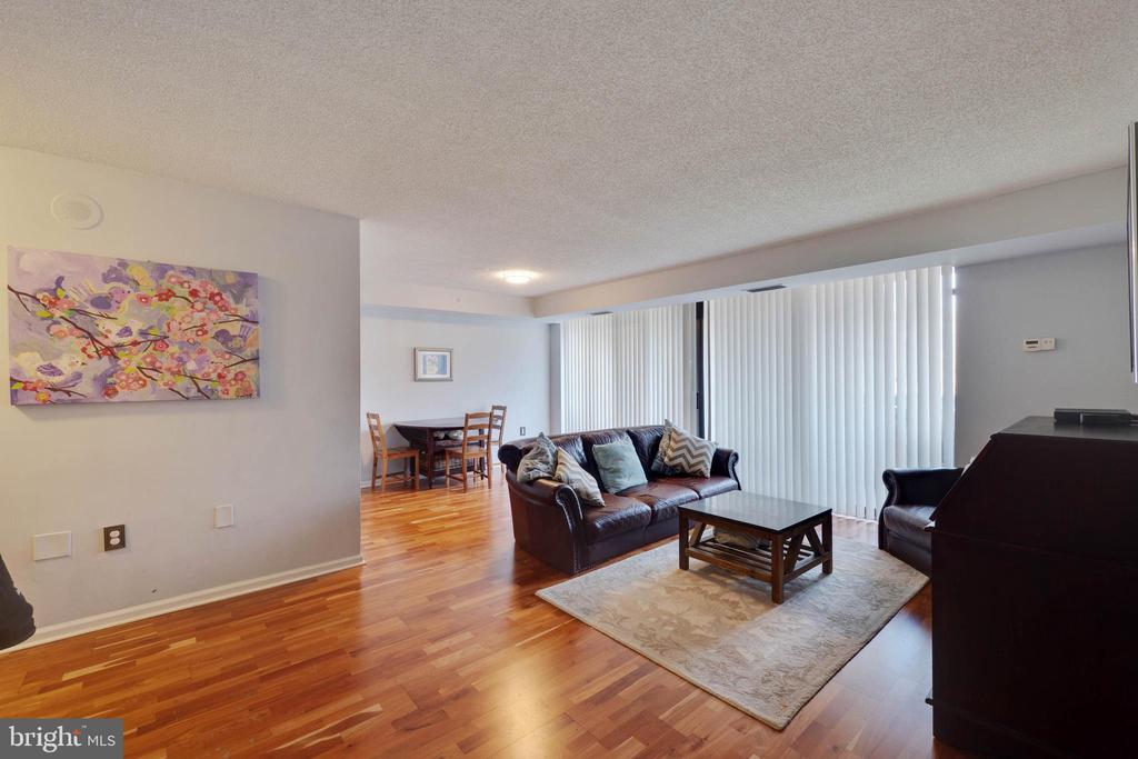 Living Room - Beautiful Wood Floors - 2230 GEORGE C MARSHALL DR #327, FALLS CHURCH