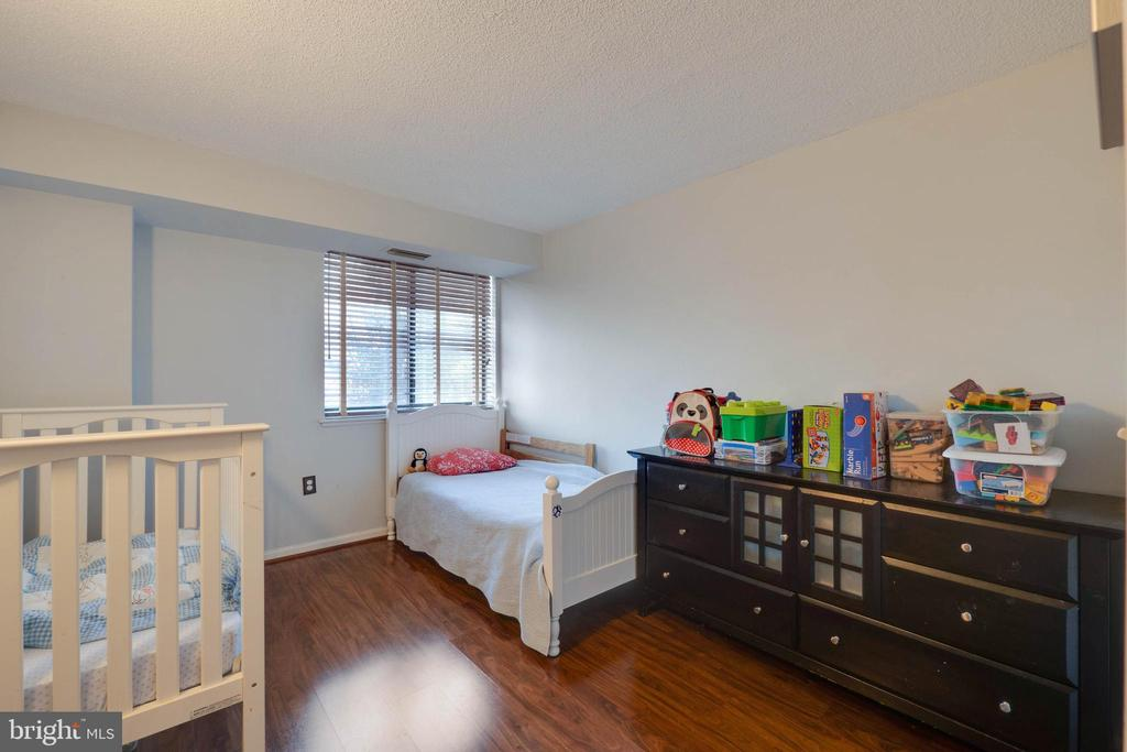 Great sized second Bedrooom - 2230 GEORGE C MARSHALL DR #327, FALLS CHURCH