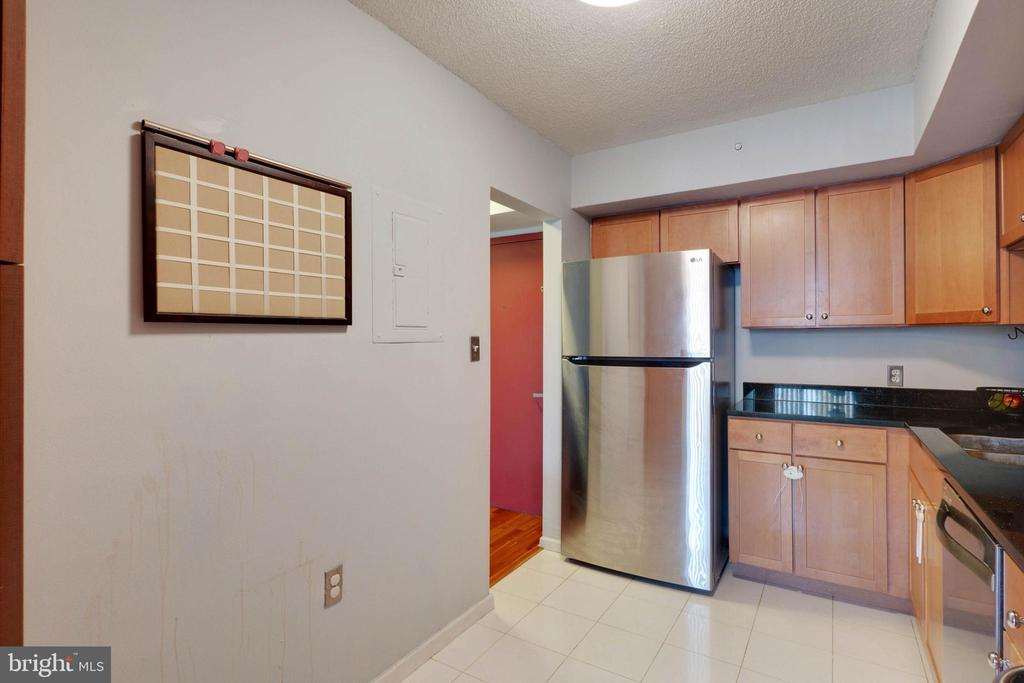 Kitchen -Stainless Appliances - 2230 GEORGE C MARSHALL DR #327, FALLS CHURCH