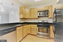 Upgraded kitchen with Granite & Stainless Steel - 38 MARYLAND AVE #214, ROCKVILLE