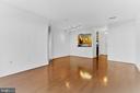 Beautiful hardwood floors & an open concept living - 38 MARYLAND AVE #214, ROCKVILLE