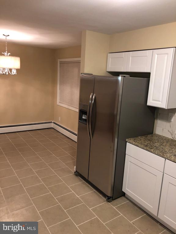 Spacious kitchen view with Din/Kitchen combo - 5008 BRAYMER AVE, SUITLAND