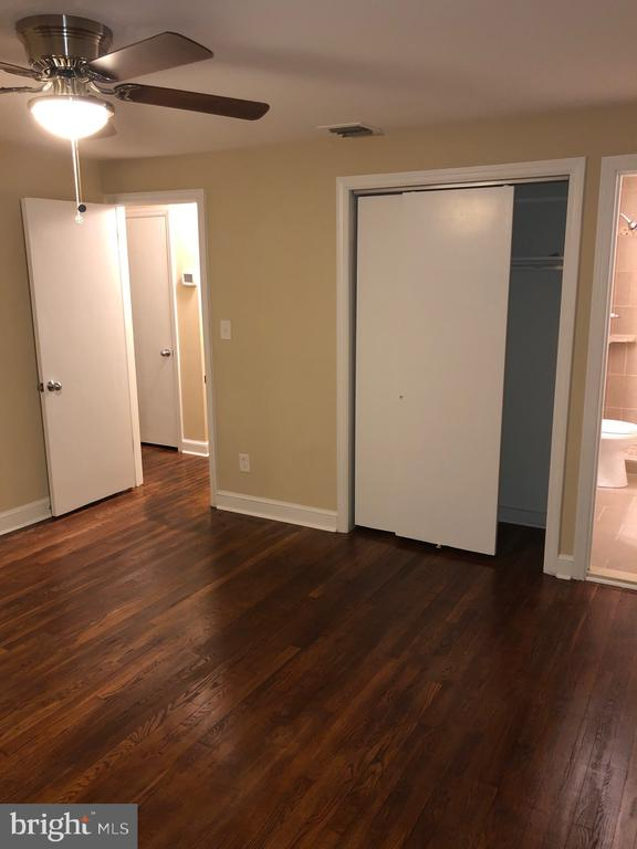 2nd view of MBR w/ ample closet space - 5008 BRAYMER AVE, SUITLAND