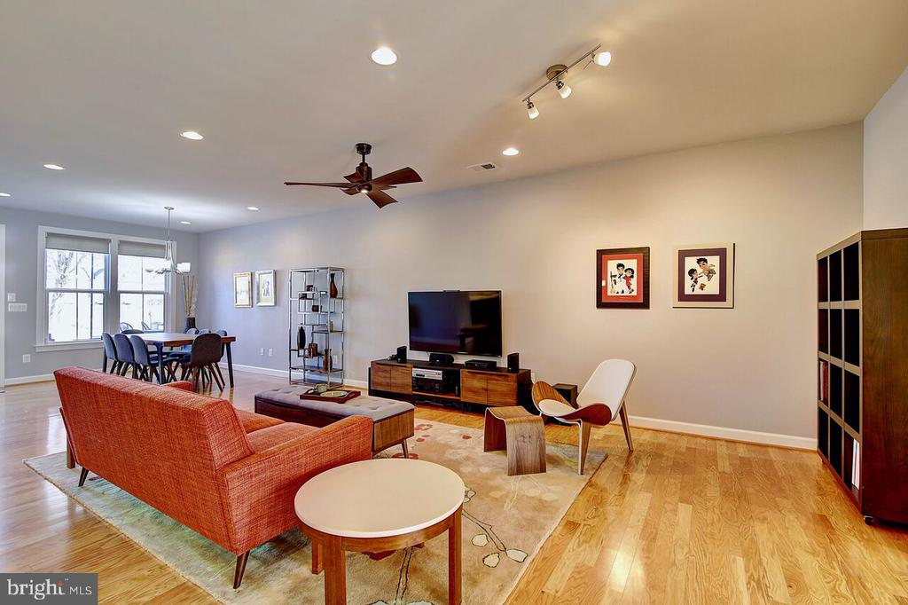 Open Concept - Family/Dining Room View - 43354 SOUTHLAND ST, ASHBURN