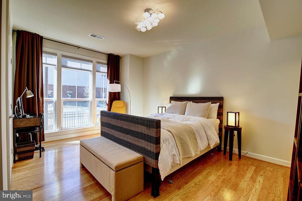 1st floor - 4th bedroom - 43354 SOUTHLAND ST, ASHBURN