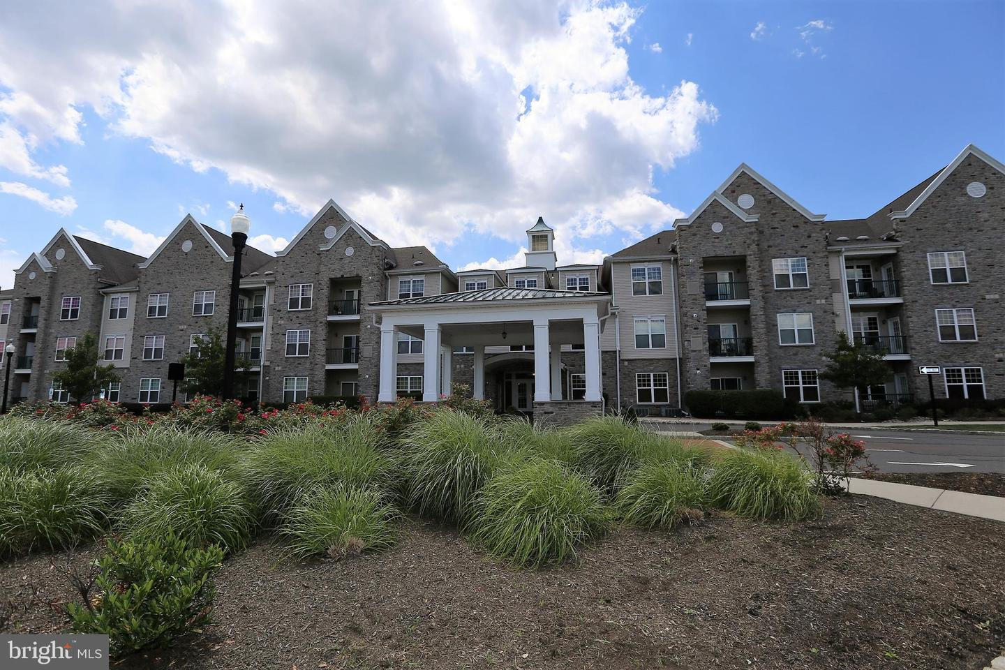 Single Family Home for Sale at 100 MIDDLESEX BLVD #114 Plainsboro, New Jersey 08536 United StatesMunicipality: Plainsboro Township