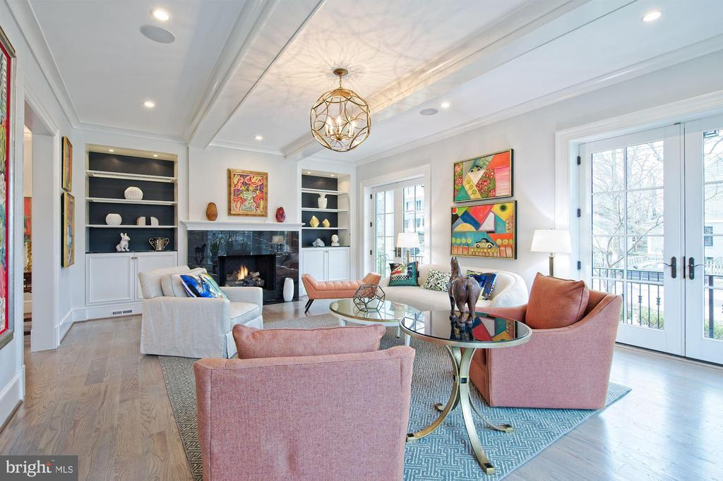 Formal entertaining spaces - 5400 CATHEDRAL AVE NW, WASHINGTON