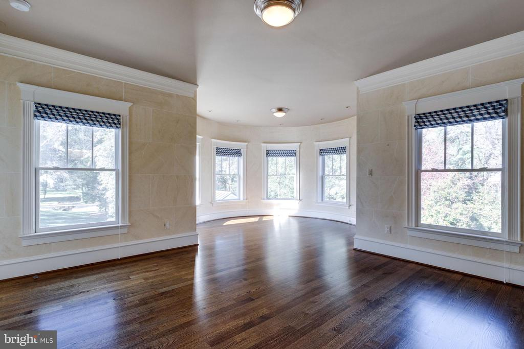 Hardwood floors throughout main and upper levels - 833 HERBERT SPRINGS RD, ALEXANDRIA