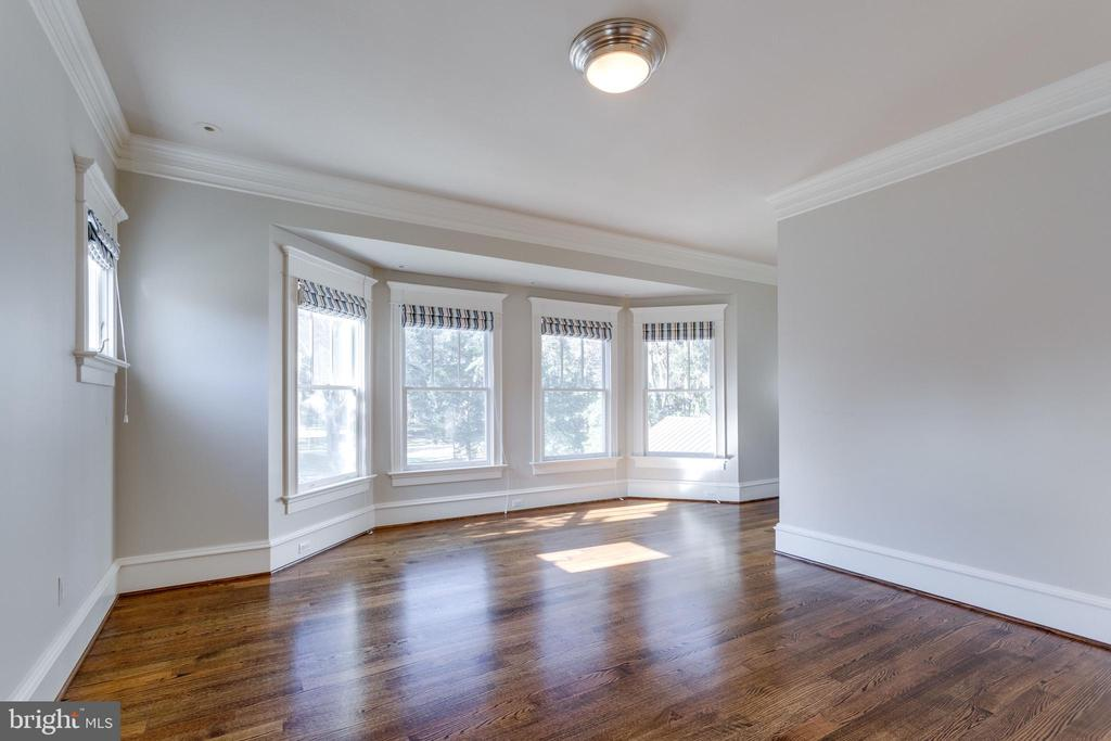 Master suite with large sitting room - 833 HERBERT SPRINGS RD, ALEXANDRIA