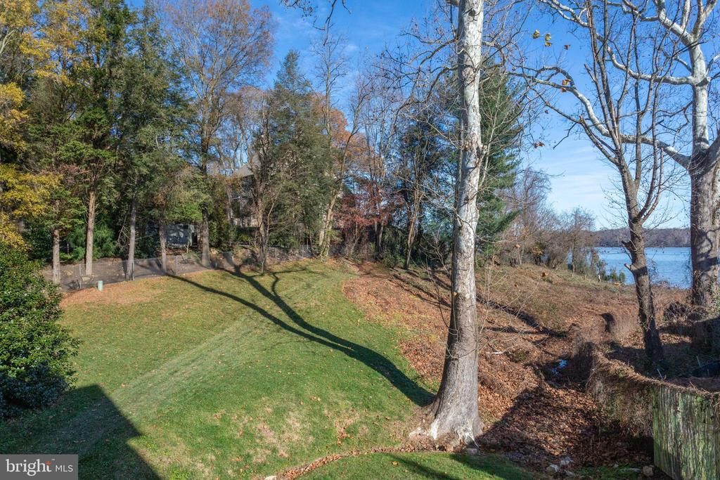 1.3 acres on the Potomac River - 833 HERBERT SPRINGS RD, ALEXANDRIA