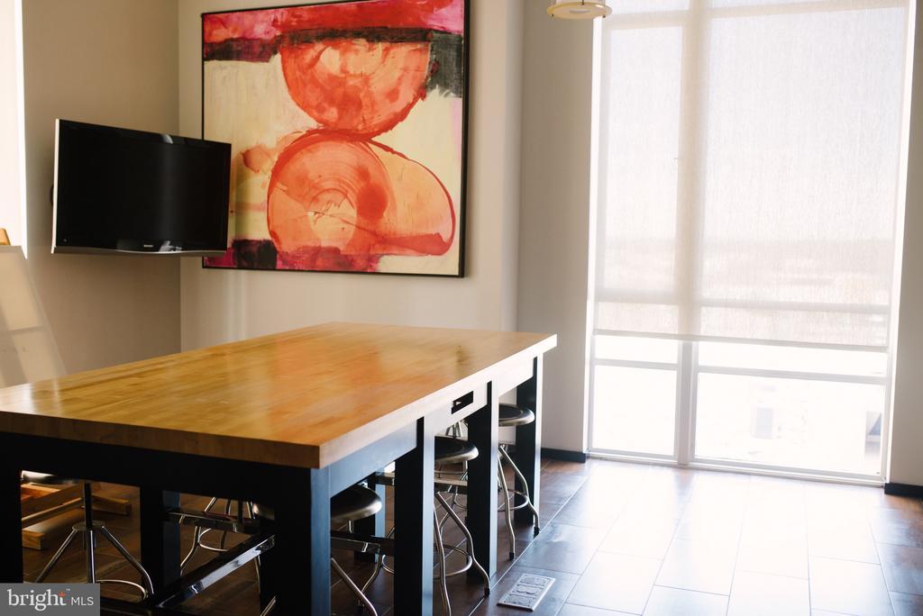 Art Room/Kitchen on 7th Floor - 12025 NEW DOMINION PKWY #313, RESTON