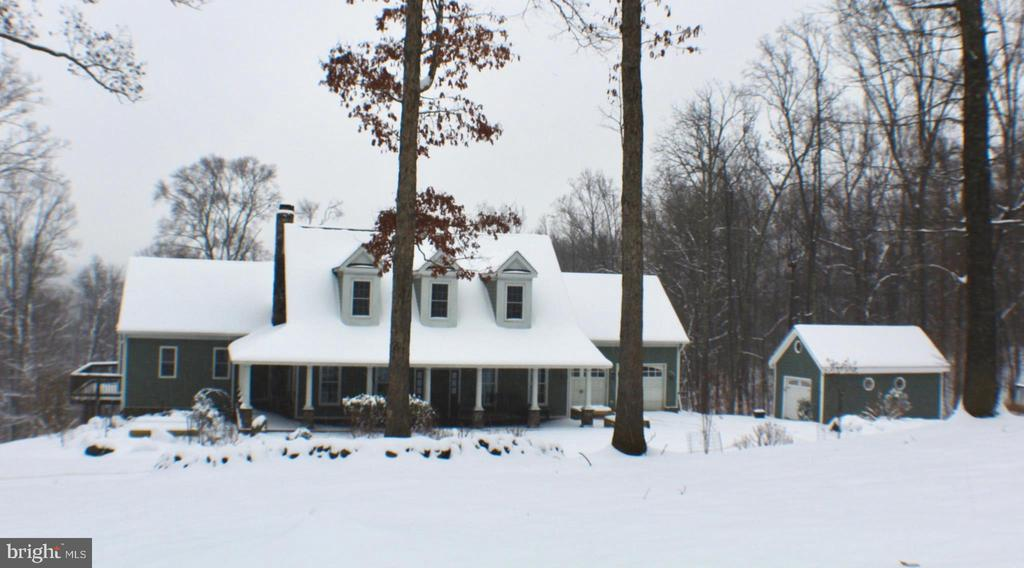 FRONT VIEW - 20970 STEPTOE HILL RD, MIDDLEBURG