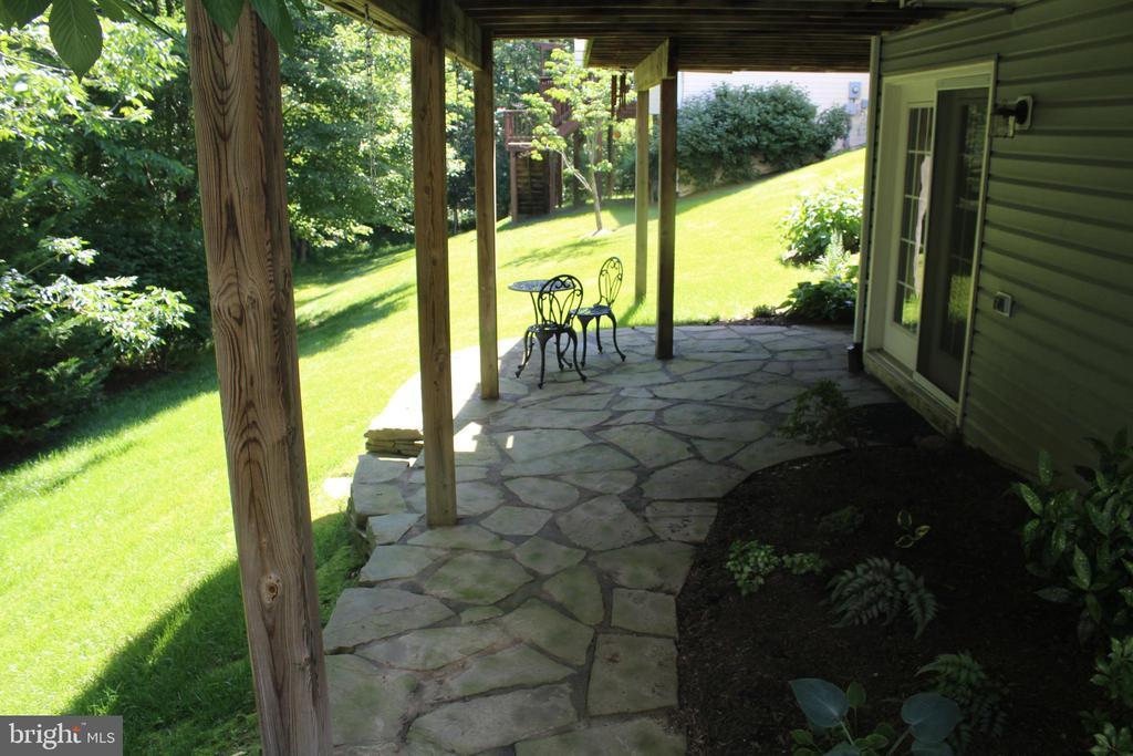 Custom Stone Patio Backing to Woods in Spring! - 43328 MARKHAM PL, ASHBURN