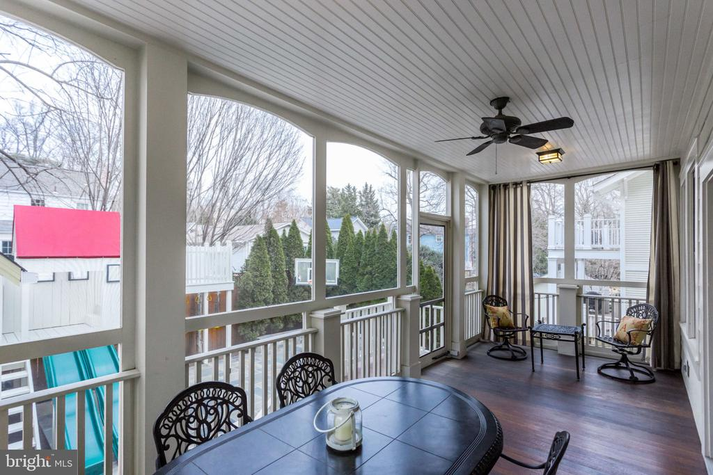 Screened Porch off of Family Room - 2805 23RD RD N, ARLINGTON