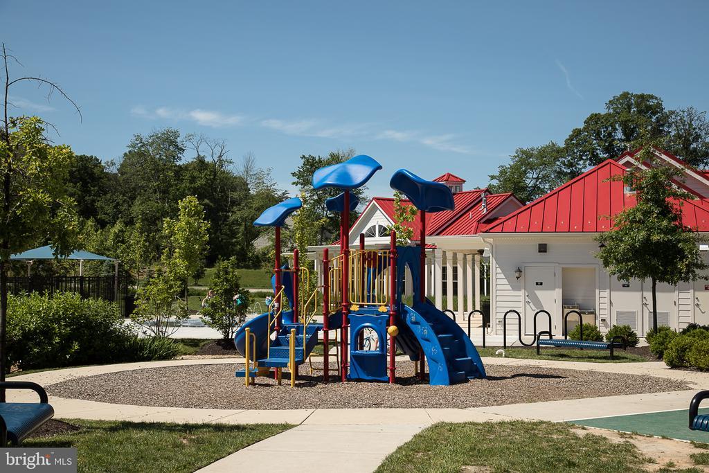 Community Playground - 601 FOX RIVER HILLS WAY, GLEN BURNIE