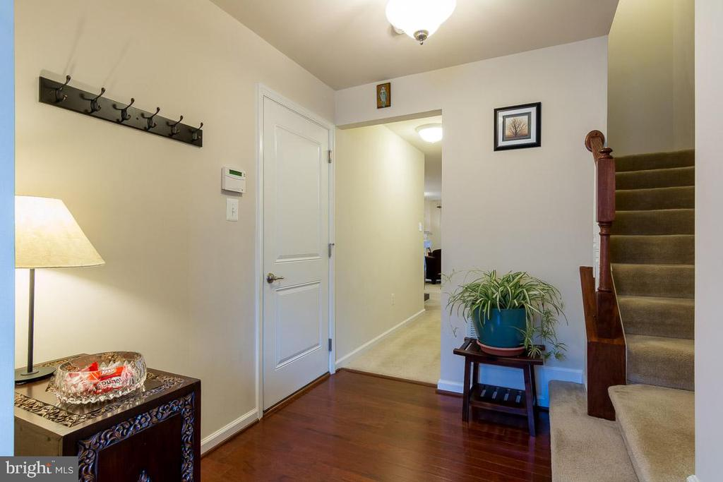 Leads to a finished walk-out lower level - 601 FOX RIVER HILLS WAY, GLEN BURNIE