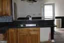 upper kitchen with table space - 31 HEADWATERS RD, CHESTER GAP