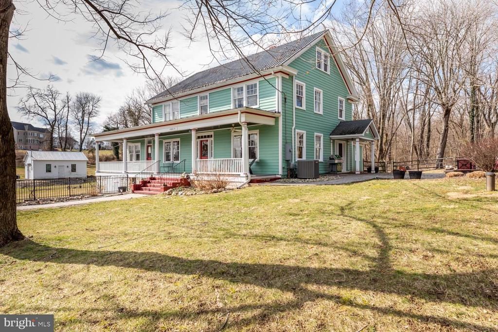 - 18815 SILCOTT SPRINGS RD, PURCELLVILLE