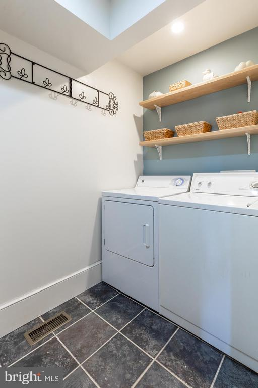 Laundry Room - 18815 SILCOTT SPRINGS RD, PURCELLVILLE