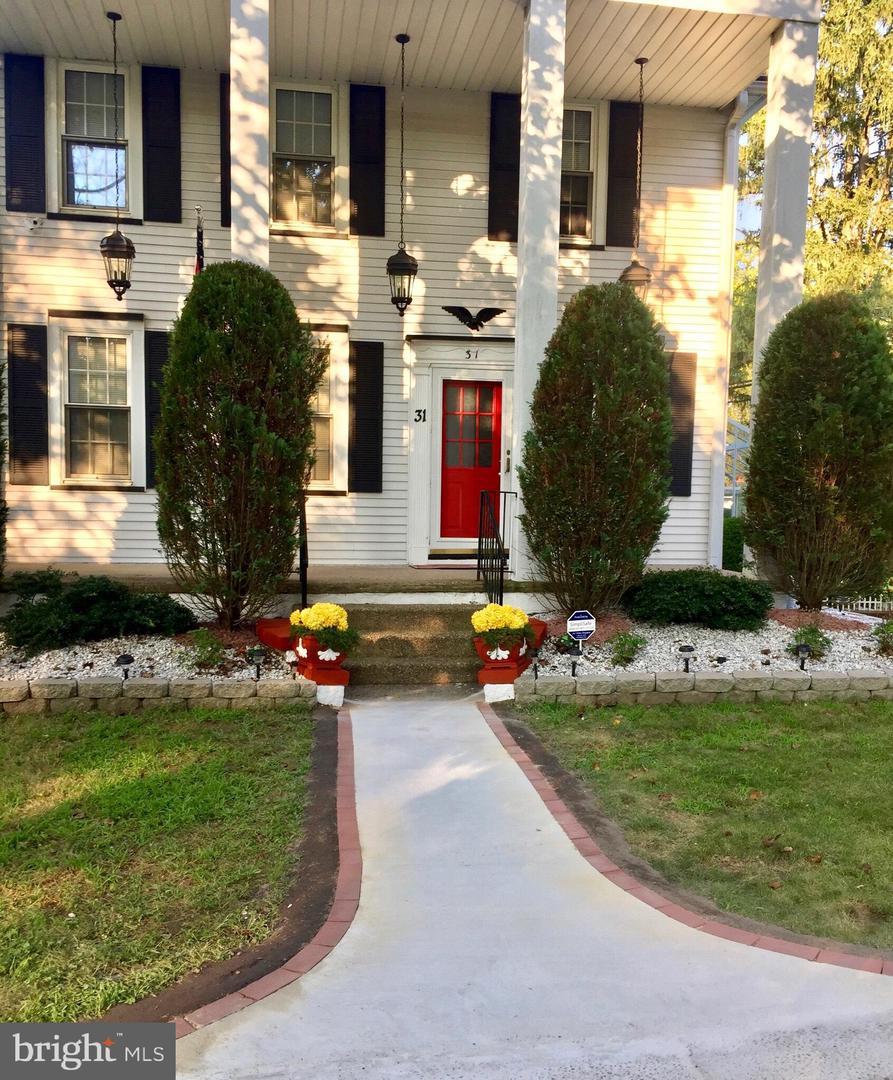Maison unifamiliale pour l Vente à 31 WAUSEON Avenue Clementon, New Jersey 08021 États-Unis