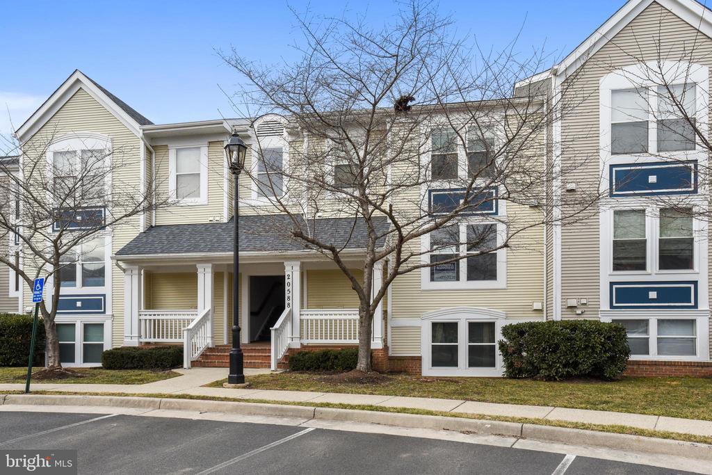 20588  CORNSTALK TERRACE  202 20147 - One of Ashburn Homes for Sale