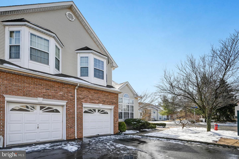 Частный односемейный дом для того Продажа на 9 REINS Somerset, Нью-Джерси 08873 Соединенные ШтатыВ/Около: Franklin Township