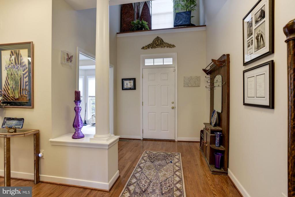 Foyer & front hallway. - 8830 WARM GRANITE DR DR #51, COLUMBIA