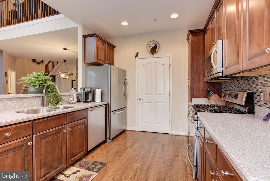 Replaced  SS appliances - 8830 WARM GRANITE DR DR #51, COLUMBIA