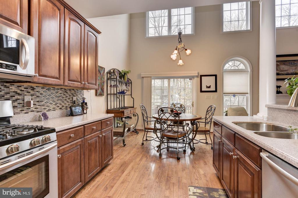 Kitchen & eat in area - 8830 WARM GRANITE DR DR #51, COLUMBIA