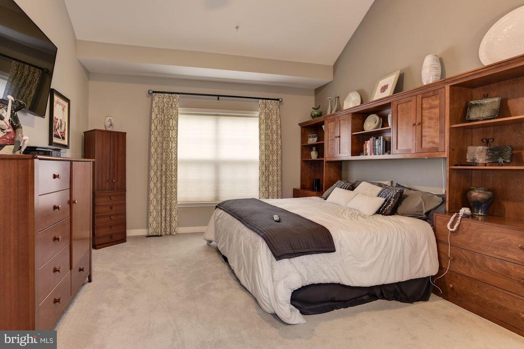 First Floor Master Bedroom - 8830 WARM GRANITE DR DR #51, COLUMBIA