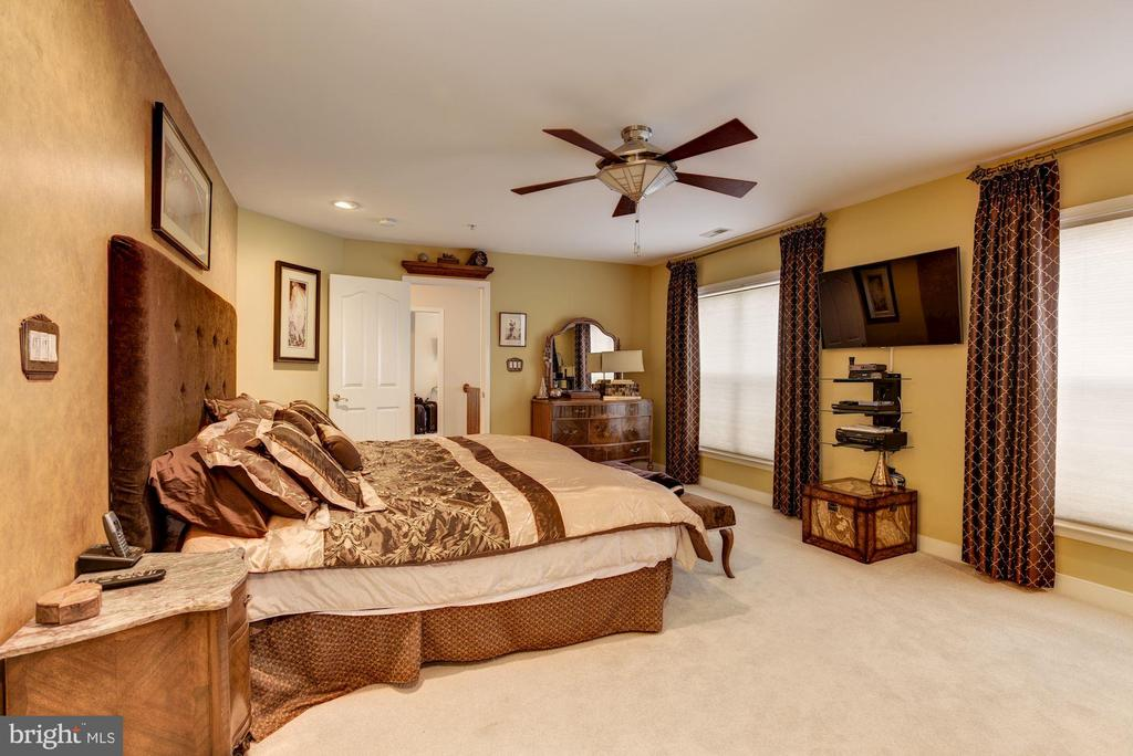 upstairs master suite - 8830 WARM GRANITE DR DR #51, COLUMBIA