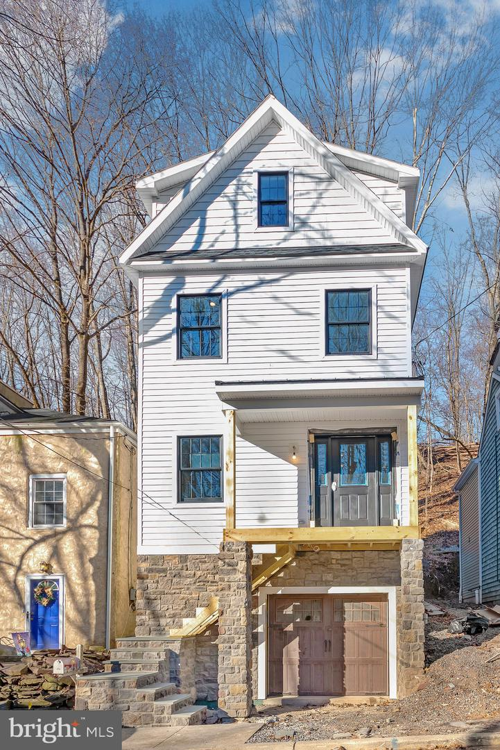 Single Family Home for Sale at 172 YORK Street Lambertville, New Jersey 08530 United StatesMunicipality: Lambertville