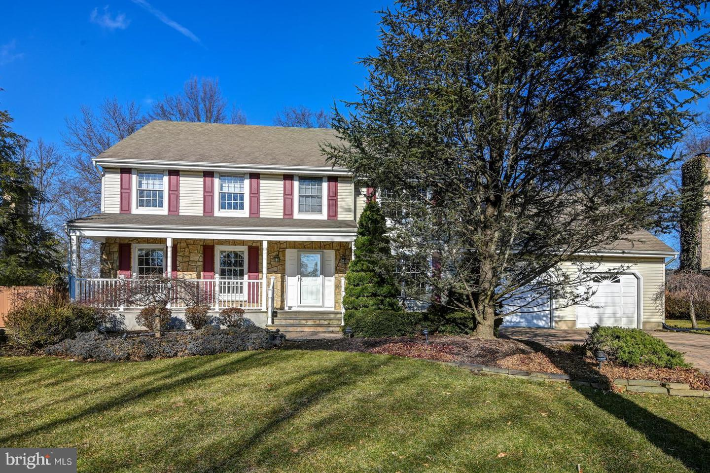 Villa per Vendita alle ore 15 WEXFORD Drive Monmouth Junction, New Jersey 08852 Stati UnitiIn/In giro: South Brunswick Township
