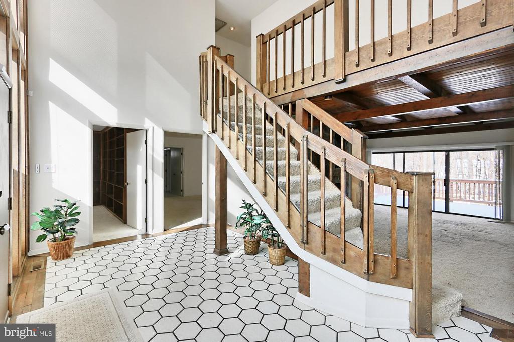 Foyer - 3666 RUSSELL RD, WOODBRIDGE