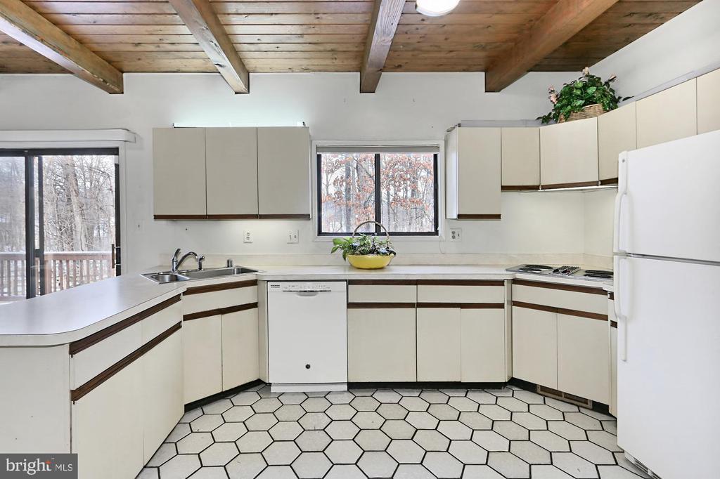 Kitchen - 3666 RUSSELL RD, WOODBRIDGE