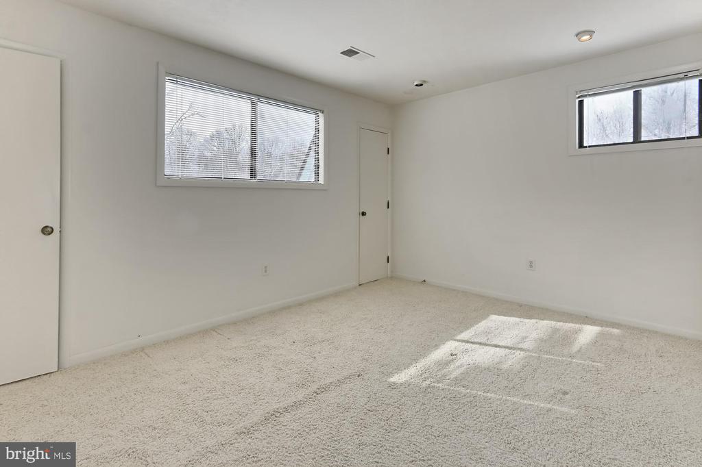 Bedroom 6 - 3666 RUSSELL RD, WOODBRIDGE