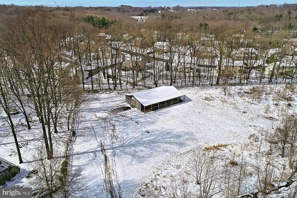 Aerial of Stable w/8 Stalls, 2 Tack Rooms - 3666 RUSSELL RD, WOODBRIDGE